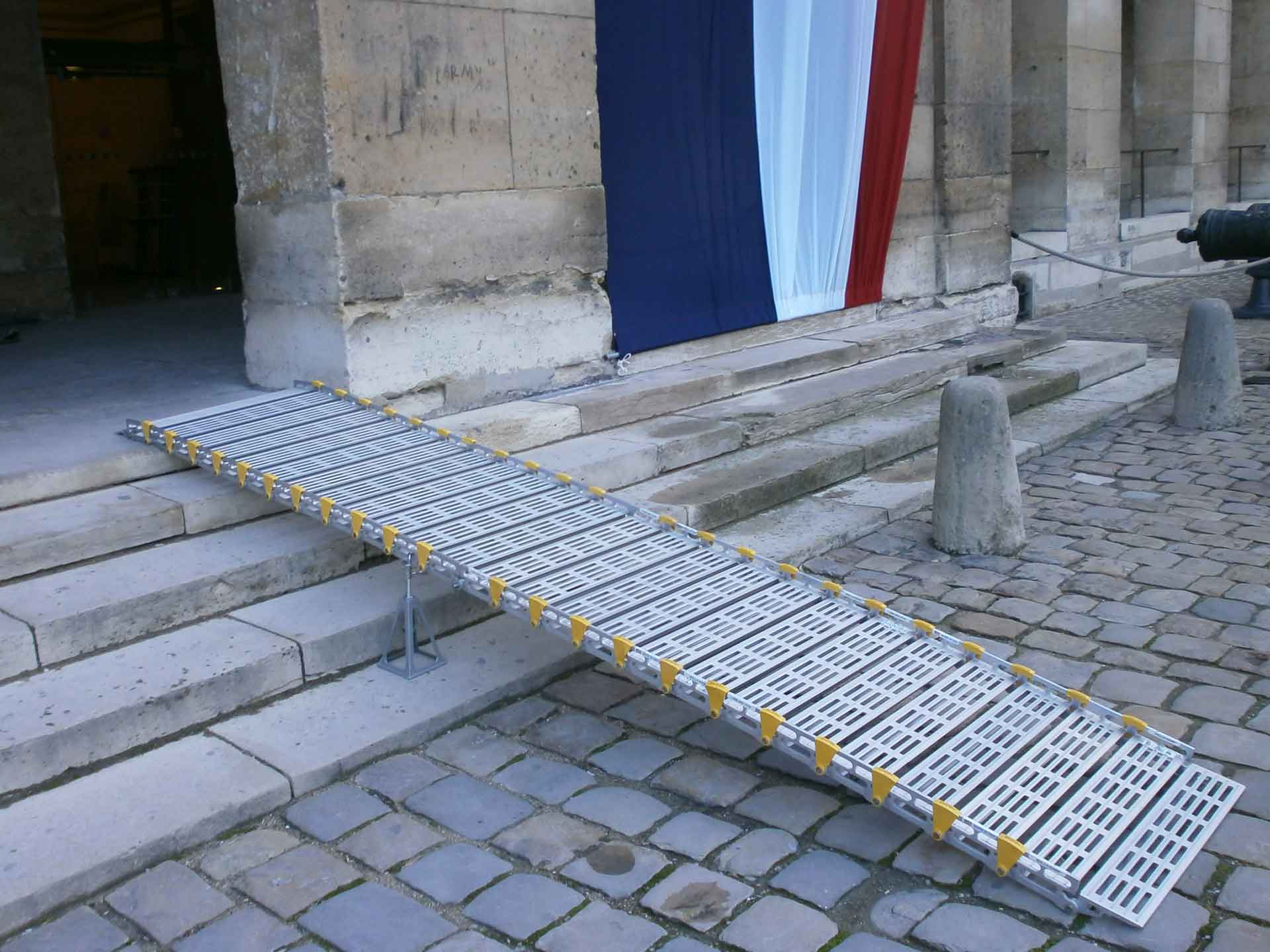 Aluminium ramp hire - wheelchairs and scooters for trade shows, events, etc.