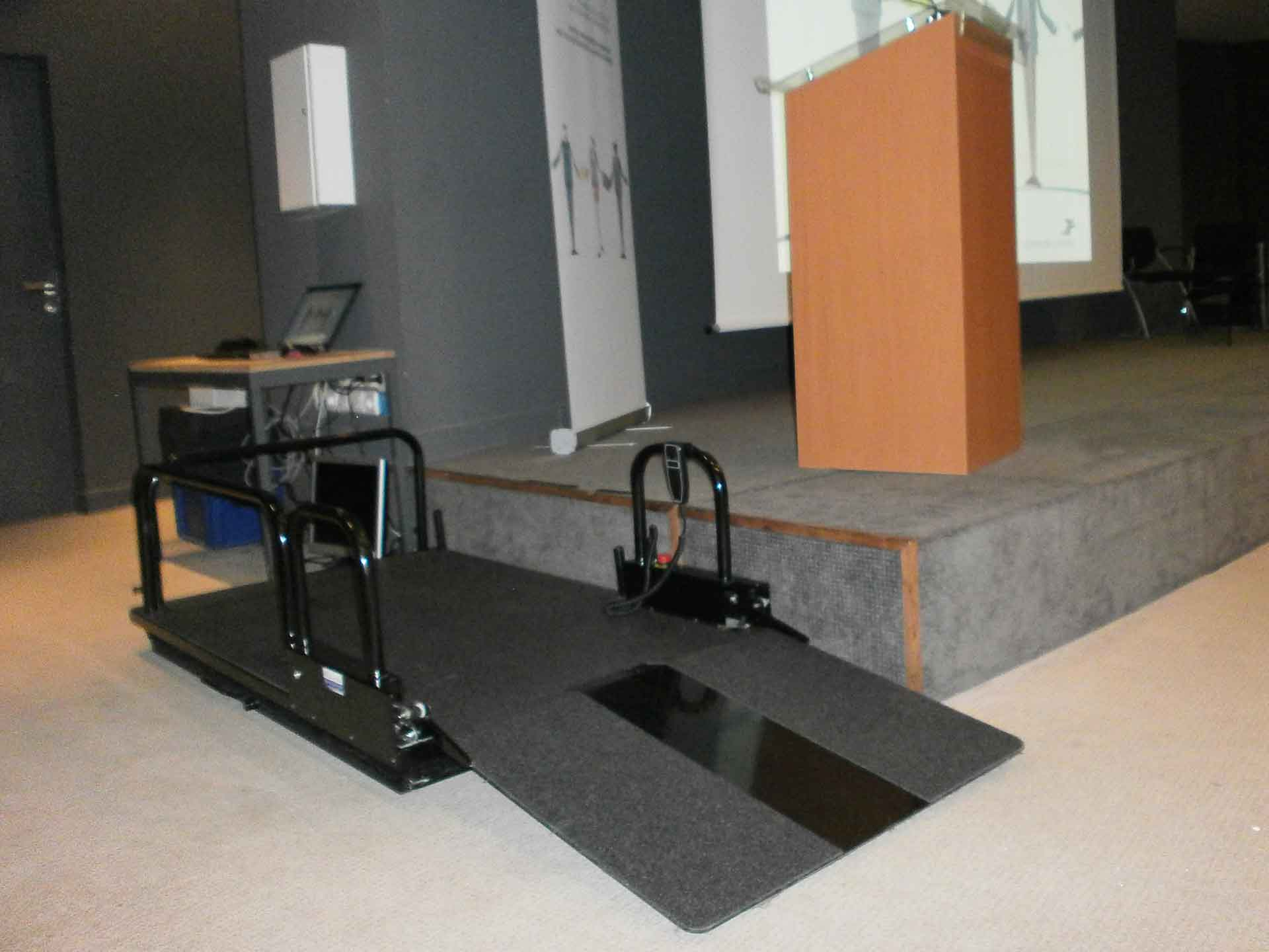 Hire electric elevator platforms for the disabled and the handicapped, ideal for events, trade shows, seminars, shows.