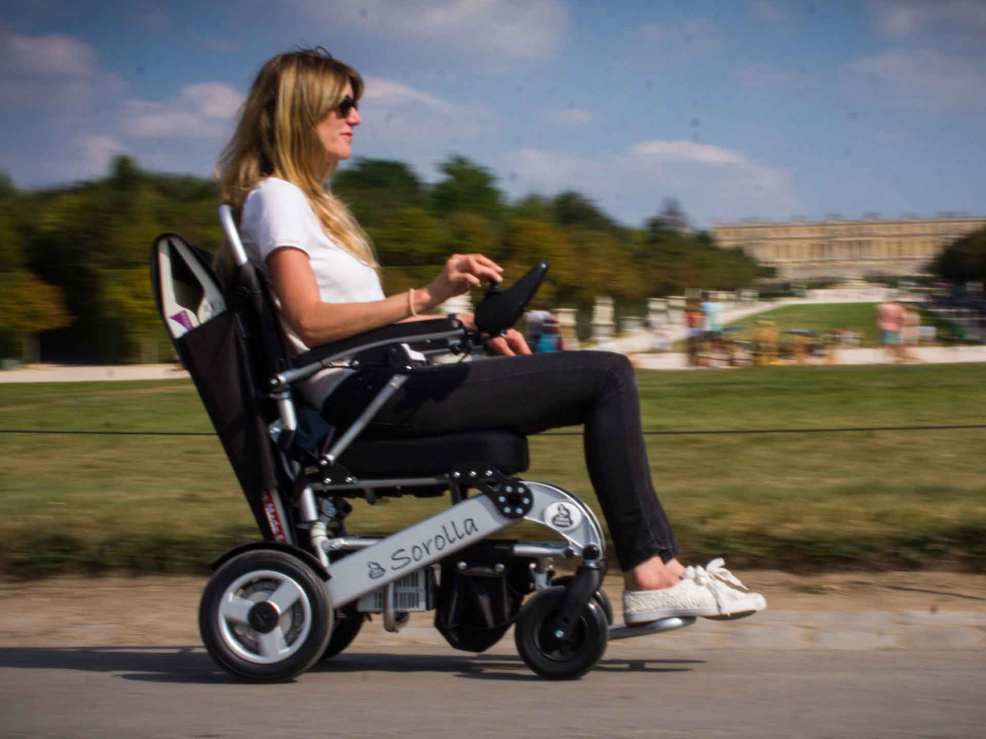 Rent an electric wheelchair for the handicapped - tourism and visiting France