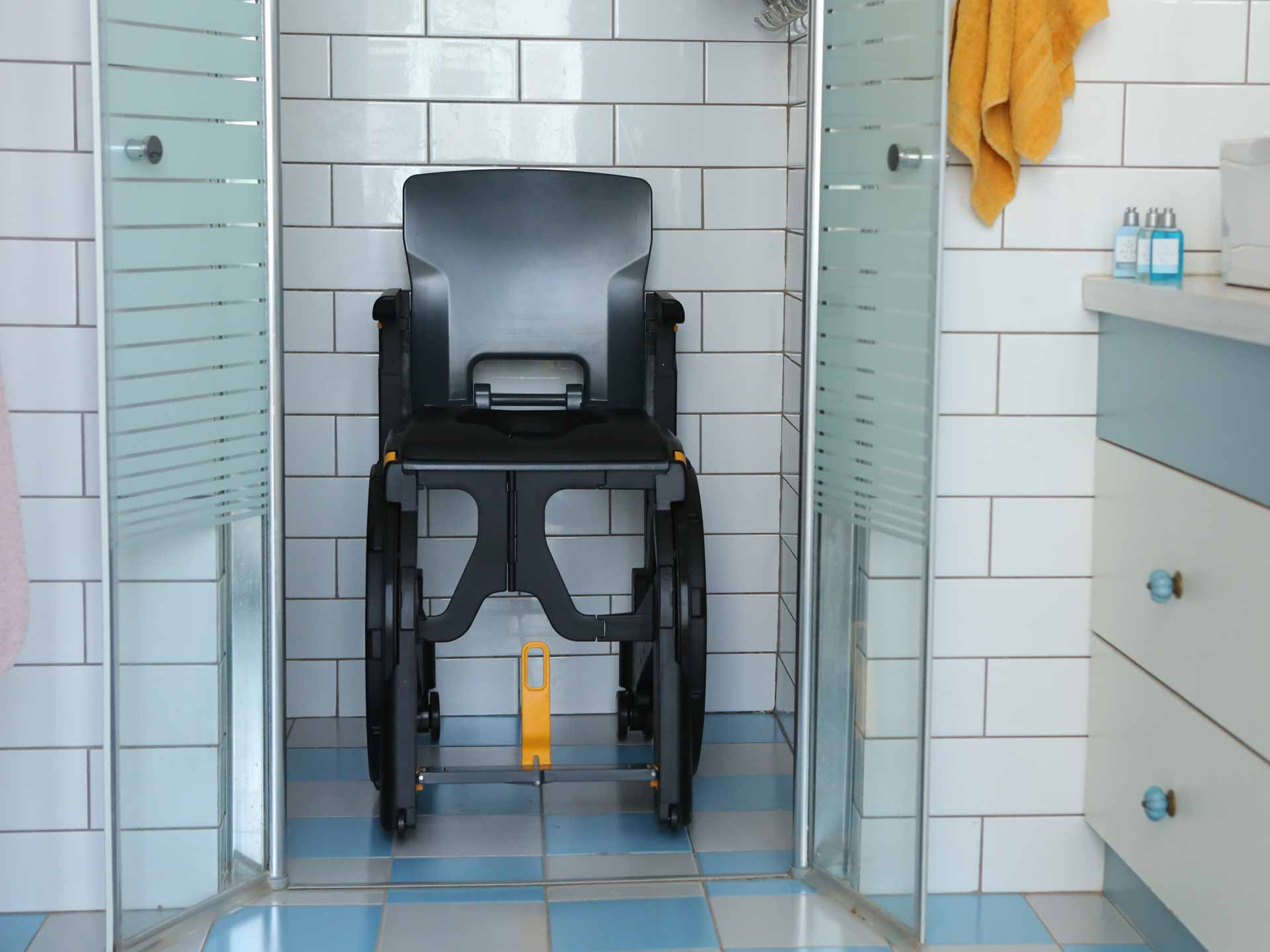 Hire a folding handicapped and disabled mode chair Wheelable