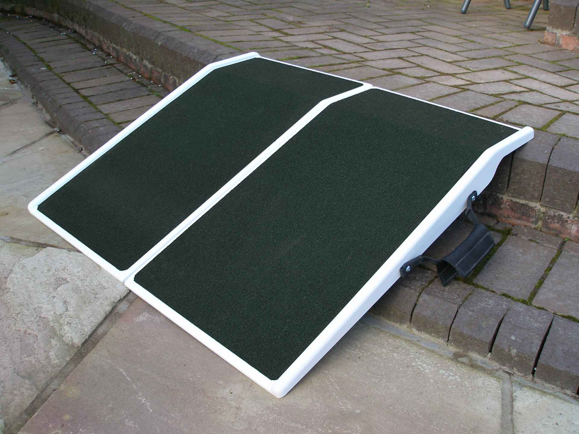 Travel ramp renatl for disabled and handicapped wheelchairs or scooters everywhere in France